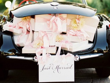 Классика свадебных подарков, или как выйти из трудного положения.